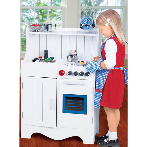 Wood Play Kitchen White cooking up a storm in the kitchen! | toyqueen