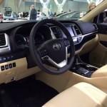 Interior dashboard of 2014 Toyota Highlander