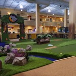 Howl at the Moon mini golf Great Wolf Lodge New England